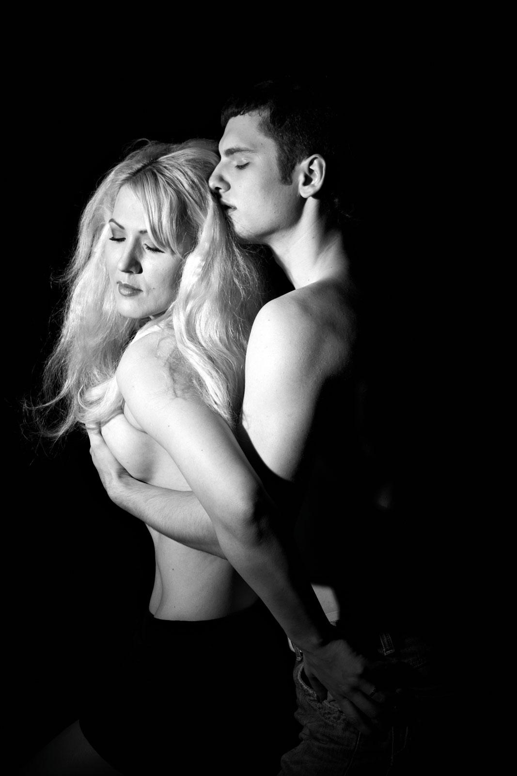 Эротическая фотосессия для пары  Эротическая фотоcессия